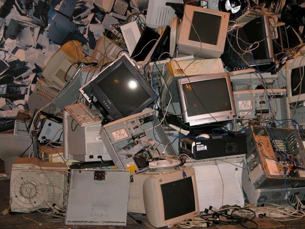 Ordenadores viejos basura electrónica